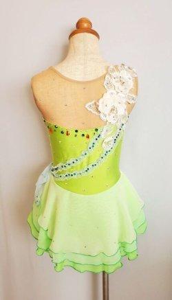 画像2: お花とリボンのふわふわドレス(グリーン系)